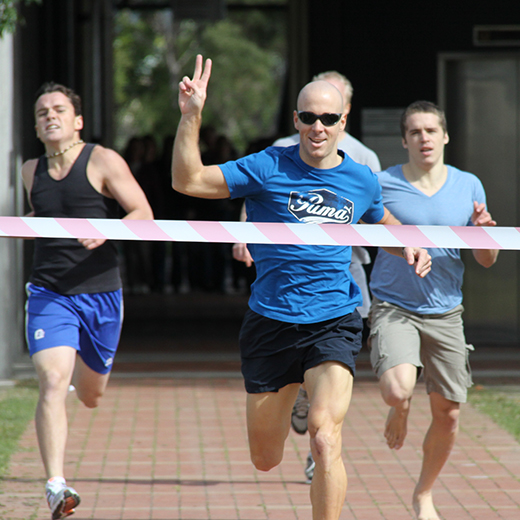 Aaron Turner winning the 2010 USC Great Court Race