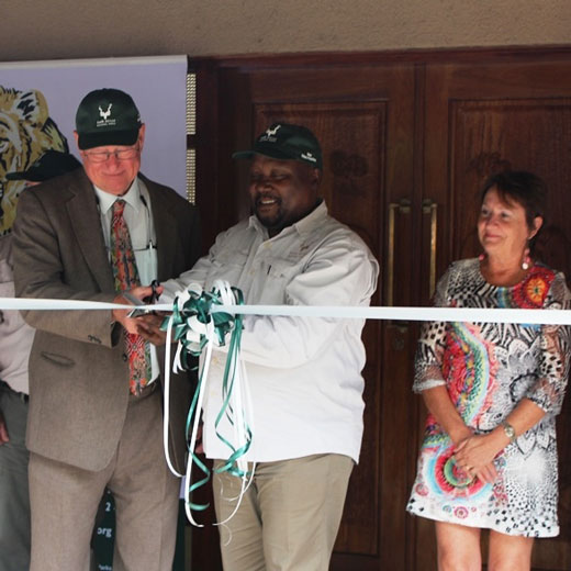 USC Vice-Chancellor and President Professor Greg Hill and SANParks Chief Executive Officer, Mr Fundisile Mketeni at the re-opening of Letaba Elephant Hall