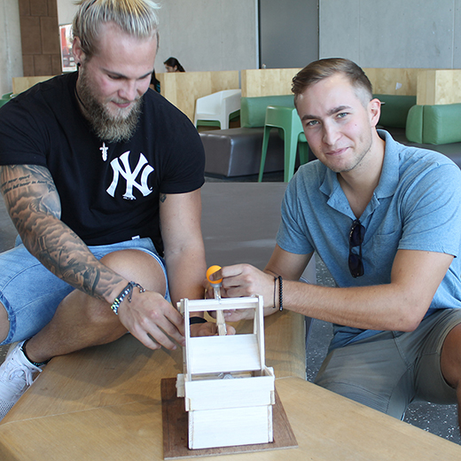 Engineering students Philipp Danninger and Martin Stadlmayer in the catapult challenge